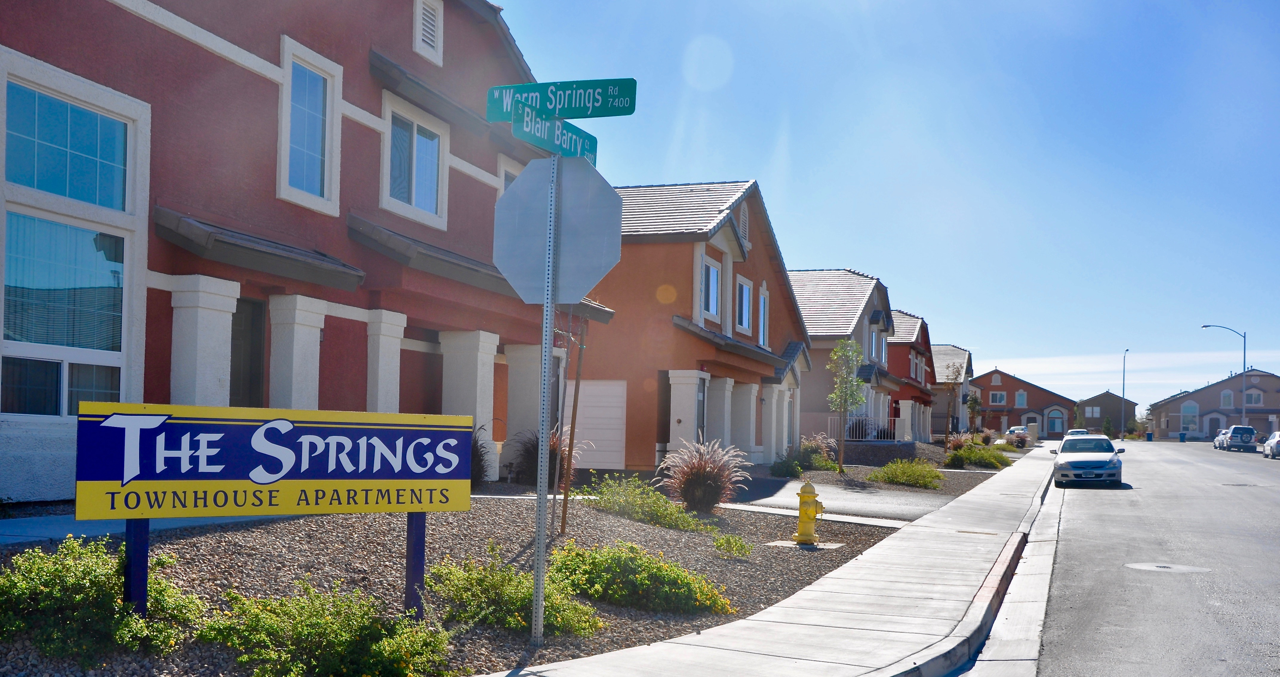 The Springs Townhouse Apartments Pj Becker Amp Sons